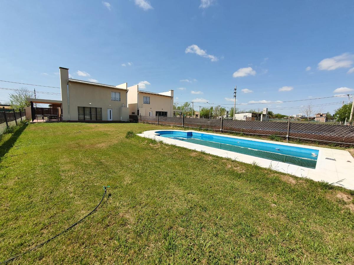 Foto Casa en Venta en  Roldán ,  Santa Fe  Av. MARTIN FIERRO y La Taba