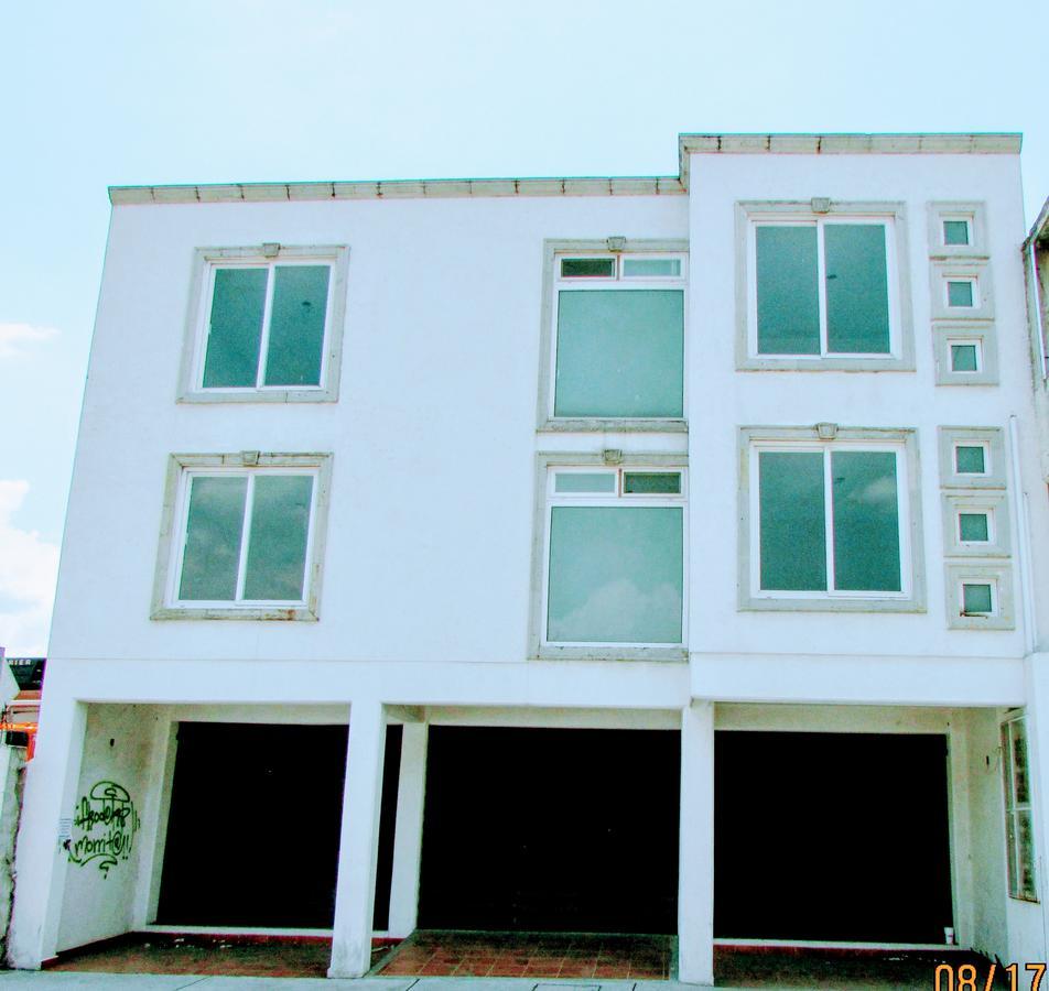 Foto Oficina en Venta en  Santa Cruz,  Metepec   Venta Edificio para oficinas o departamentos.