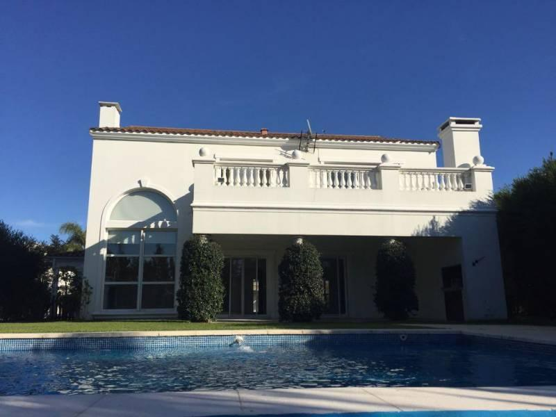 Foto Casa en Venta en  Barrancas del Lago,  Nordelta  Barrancas del Lago al 100