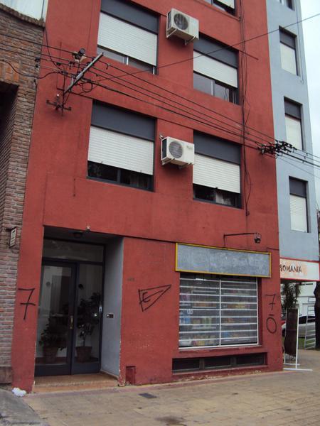 Foto Departamento en Alquiler en  La Plata ,  G.B.A. Zona Sur  532 esquina 6