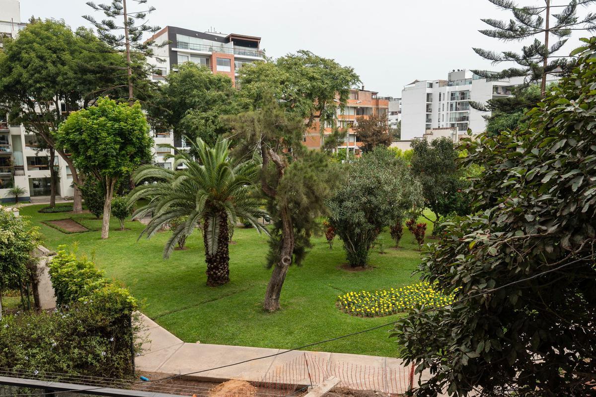 Foto Departamento en Venta en  Miraflores,  Lima  CALLE TRIANA XXX DPTO 403