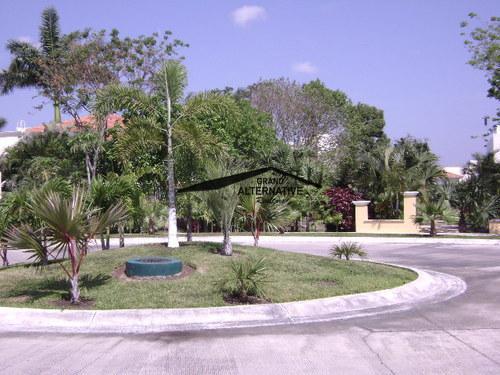 Foto Terreno en Venta en  Cancún Centro,  Cancún  TERRENO EN VILLA MAGNA