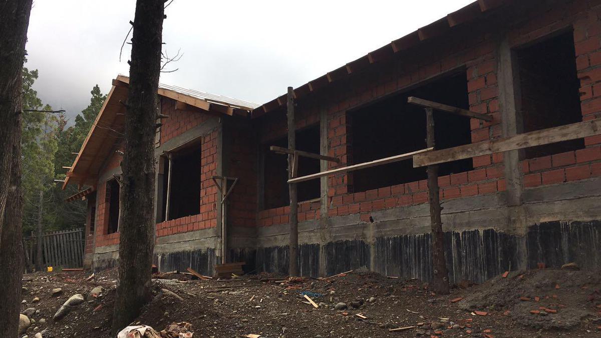 Foto Casa en Venta en  Arelauquen,  Bariloche  Arelauquen Casa en Construcción Zona B