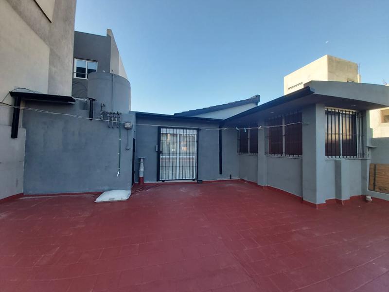 Foto Local en Venta en  Liniers ,  Capital Federal  Carhue al 1300