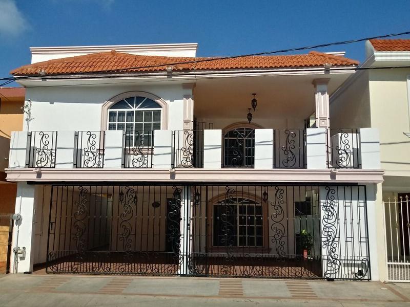 Foto Casa en Venta |  en  Del Maestro,  Ciudad Madero  Casa en venta en Colonia del Maestro, Ciudad Madero, Tamaulipas.