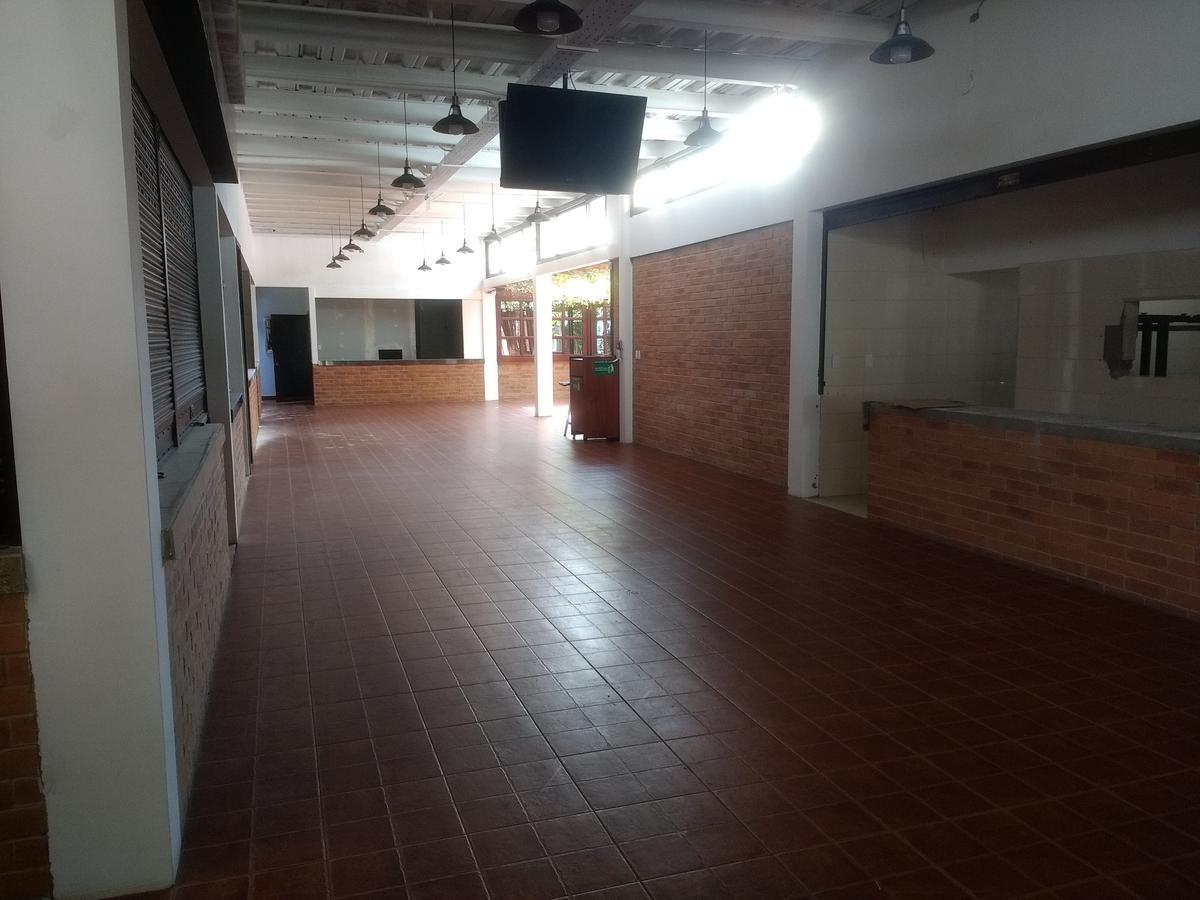 Foto Local en Venta en  Centro Norte,  Quito  Yánez Pinzón y Colón