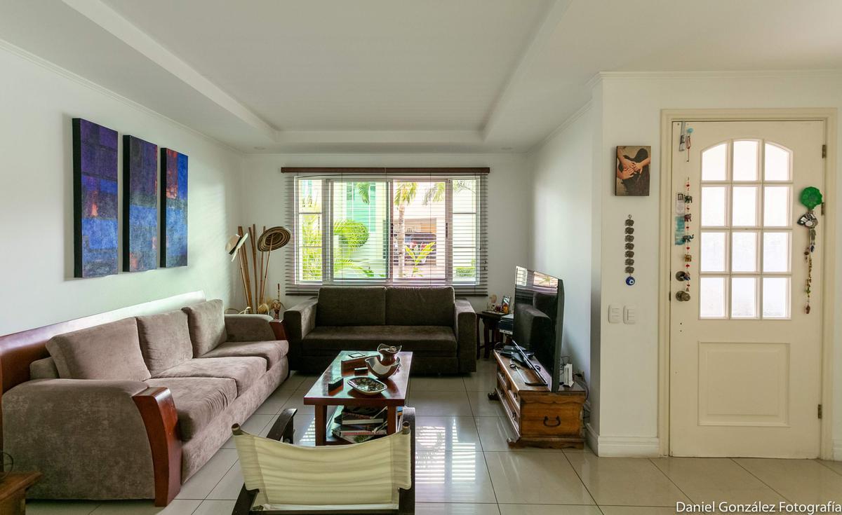 Foto Casa en condominio en Venta en  Escazu,  Escazu  Escazú / 3 habitaciones con baño privado / Iluminación natural / Ático