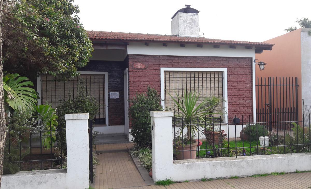 Foto Casa en Venta en  Los Cardales,  Exaltacion De La Cruz  CASA PUEBLO LOS CARDALES