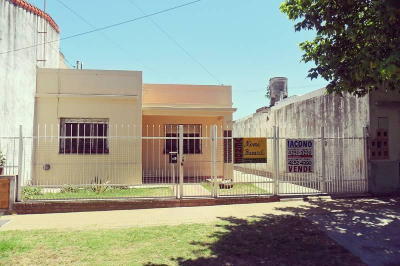 Foto Casa en Venta en  Quilmes Oeste,  Quilmes  Lamadrid Nº 1089 entre Smith y Carbonetti