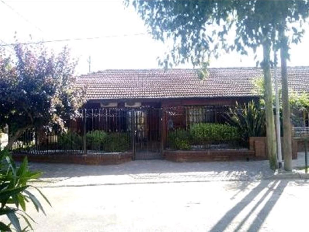 Foto Casa en Venta en  Don Torcuato,  Tigre  Colcas al 700