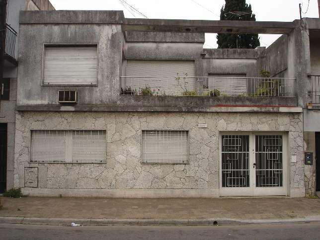 Foto Casa en Venta en  Ramos Mejia,  La Matanza  Av. Rivdavia al 14600