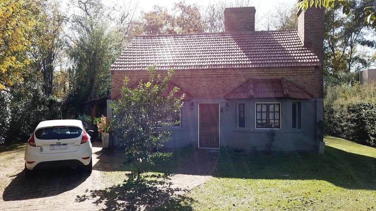 Foto Casa en Venta en  Cañuelas ,  G.B.A. Zona Sur  CASA EN VENTA : CAÑUELAS ::  LA MARTONA
