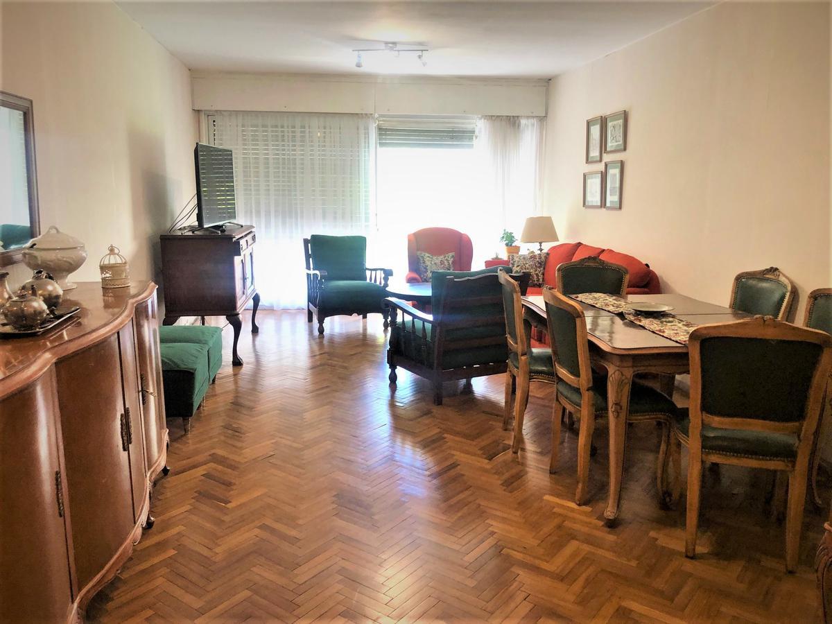 Foto Apartamento en Venta en  Centro (Montevideo),  Montevideo  Yaguarón  esq. Colonia