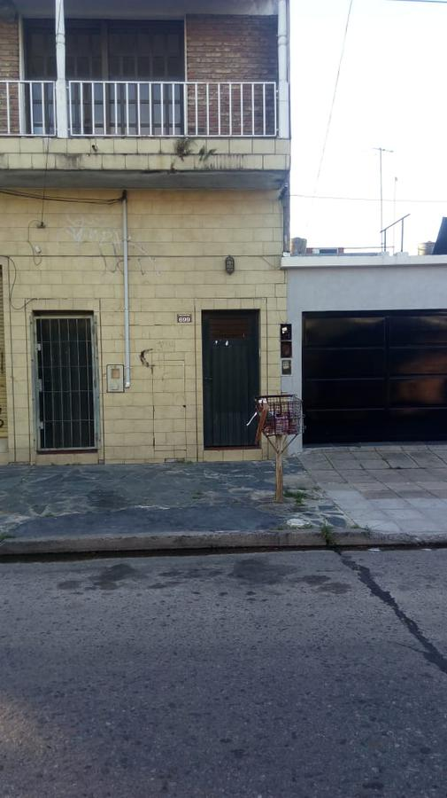 Foto Local en Alquiler en  Sarandi,  Avellaneda  Paunero al 600