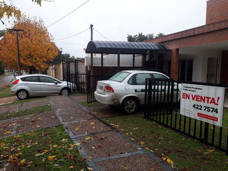 Foto Casa en Venta en  Yerba Buena ,  Tucumán  Salas y Valdez al 200