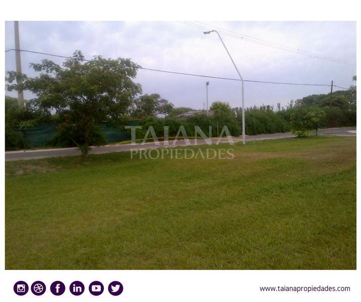 Foto Terreno en Venta en  Las Delicias,  Countries/B.Cerrado (Cordoba)  Av. Ejercito Argentino al 1000