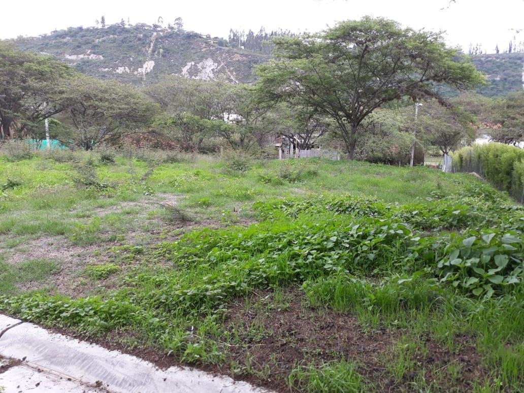 Foto Terreno en Venta en  Cumbayá,  Quito  Venta de Terreno bifamiliar de 1.085,46 m2 - Sector: Cumbayá - Pillagua . En urbanización exclusiva