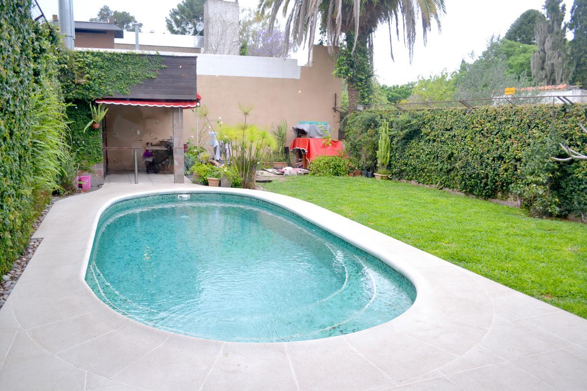 Foto Casa en Venta en  Granadero Baigorria,  Rosario  Salta al 1400