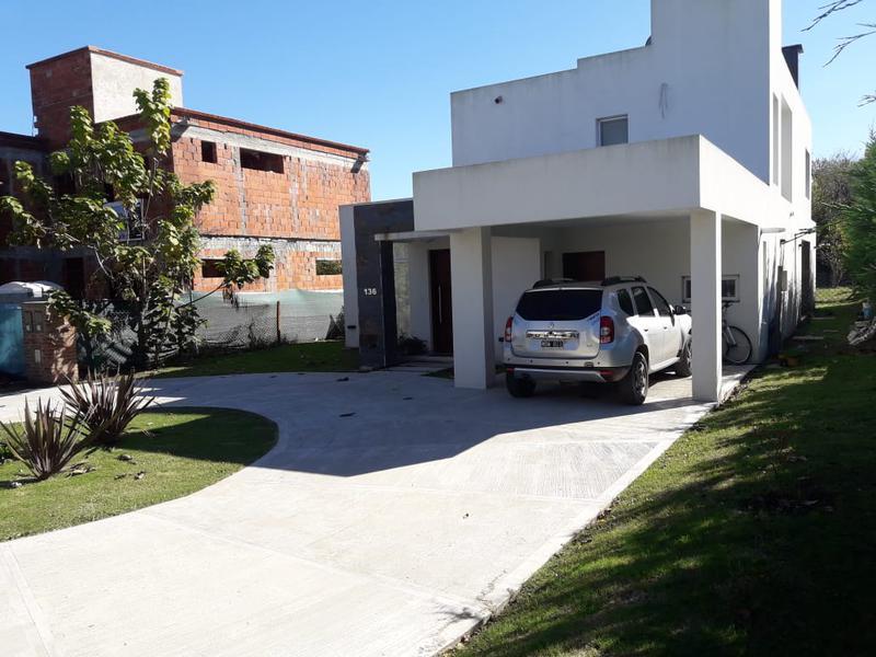 Foto Casa en Alquiler en  Almirante Brown ,  G.B.A. Zona Sur  Soler 590