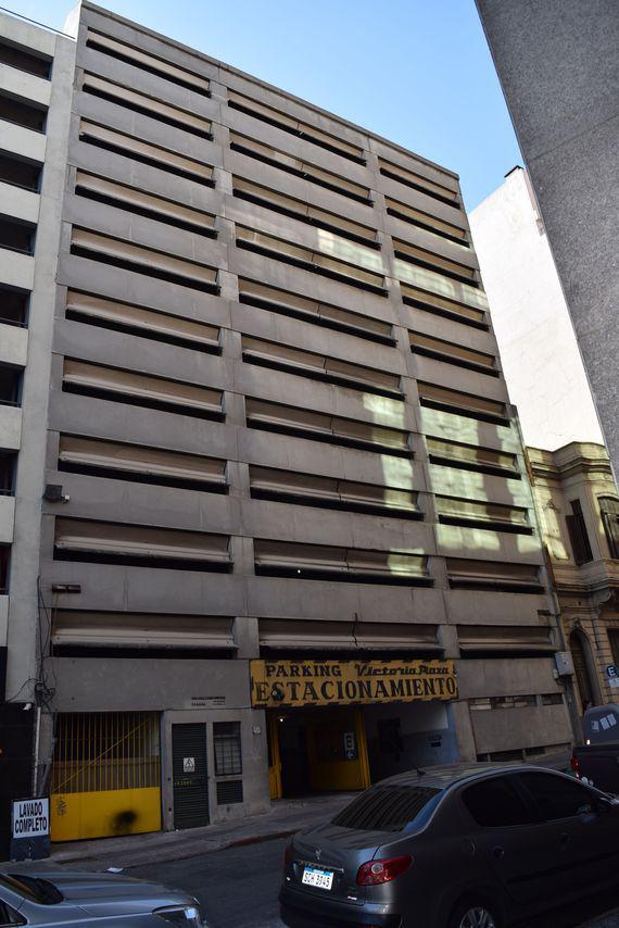 Foto Cochera en Venta en  Centro (Montevideo),  Montevideo  Florida al 1400