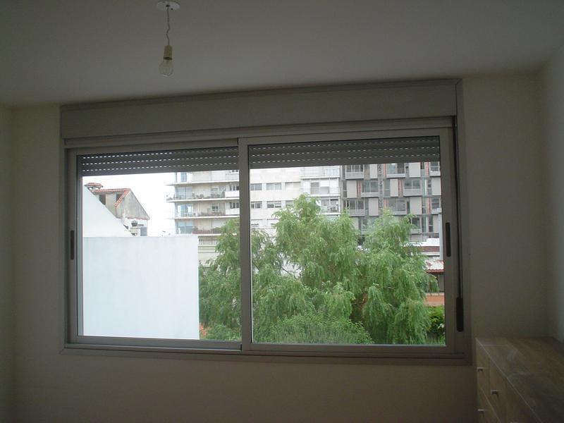 Foto Departamento en Alquiler en  Punta Carretas ,  Montevideo  Un dormitorio, metros rambla, luminoso