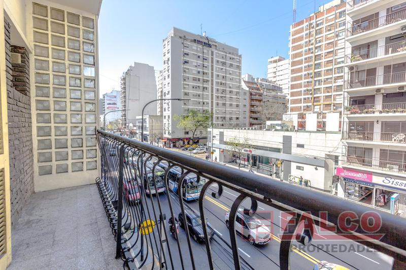 Foto Oficina en Alquiler en  Flores ,  Capital Federal  Rivadavia al 6300