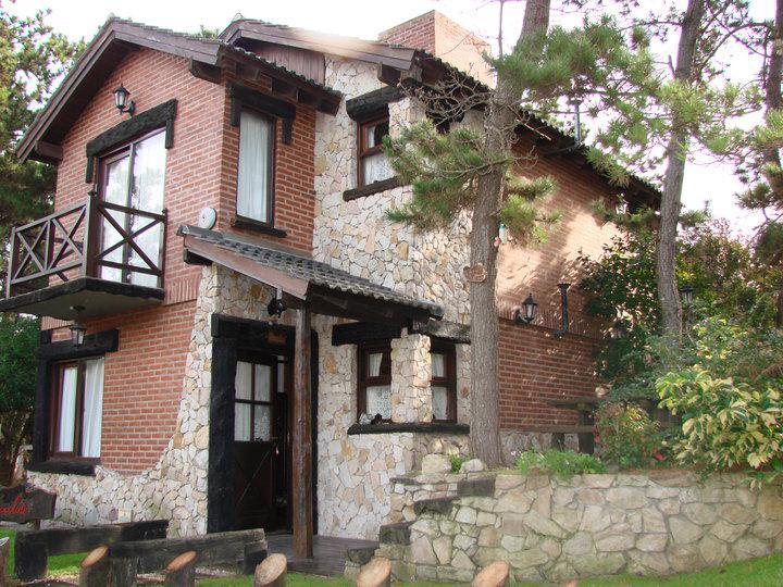 Foto Hotel en Venta en  Mar De Las Pampas,  Villa Gesell  4 Cabañas a 100m del Mar