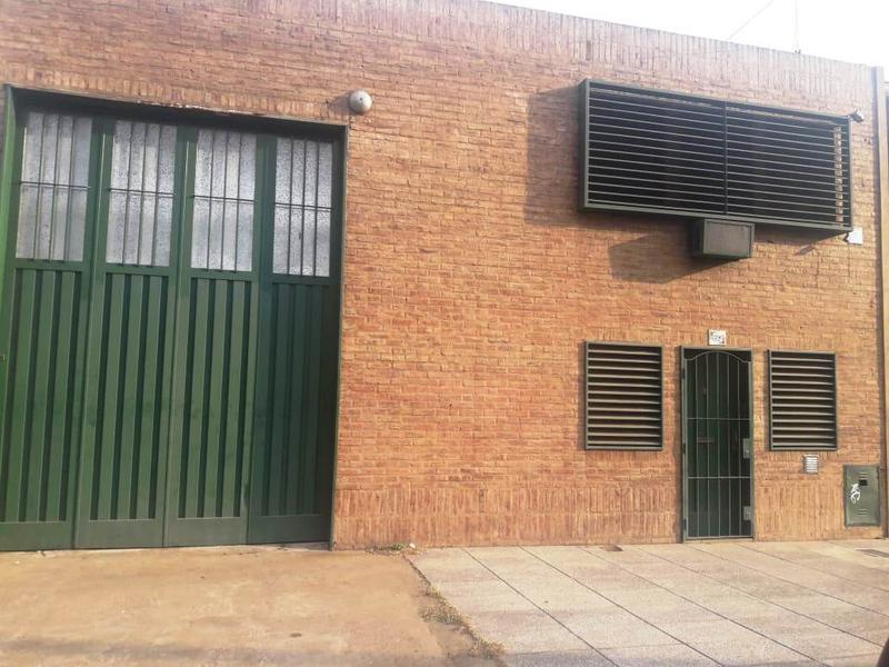Foto Depósito en Alquiler en  Lomas De Zamora ,  G.B.A. Zona Sur  BOEDO 2290