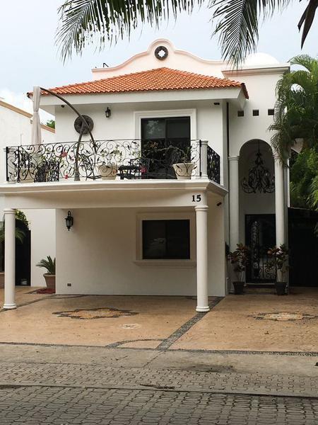 Foto Casa en Renta en  Fraccionamiento Playa Car Fase I,  Playa del Carmen  Casa Blanca Playacar