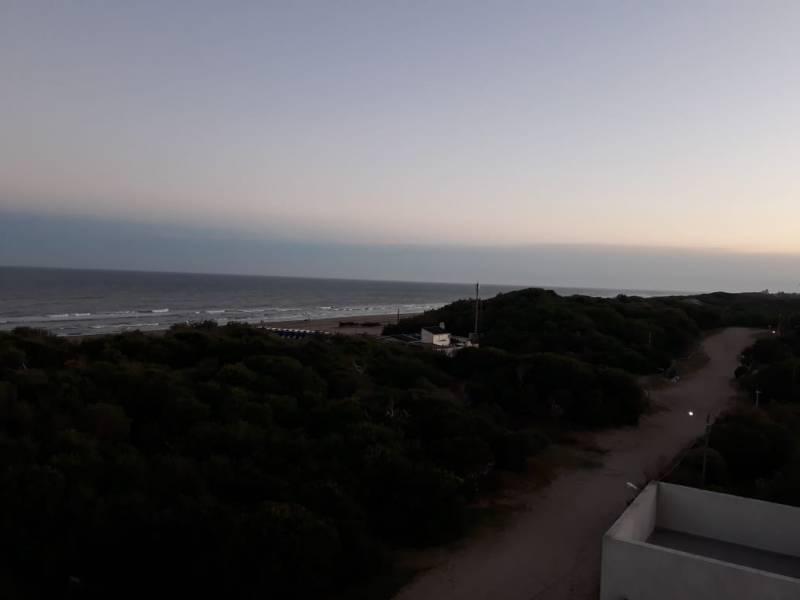 Foto Departamento en Venta en  Pinamar ,  Costa Atlantica  Biarritz  al 800