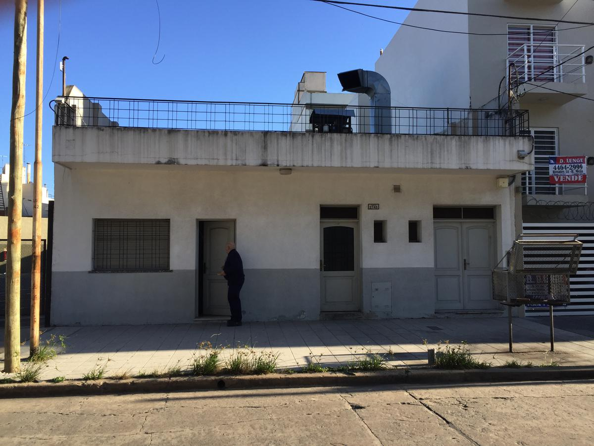 Foto Depósito en Venta en  Lomas Del Mirador,  La Matanza  Temple al 2700