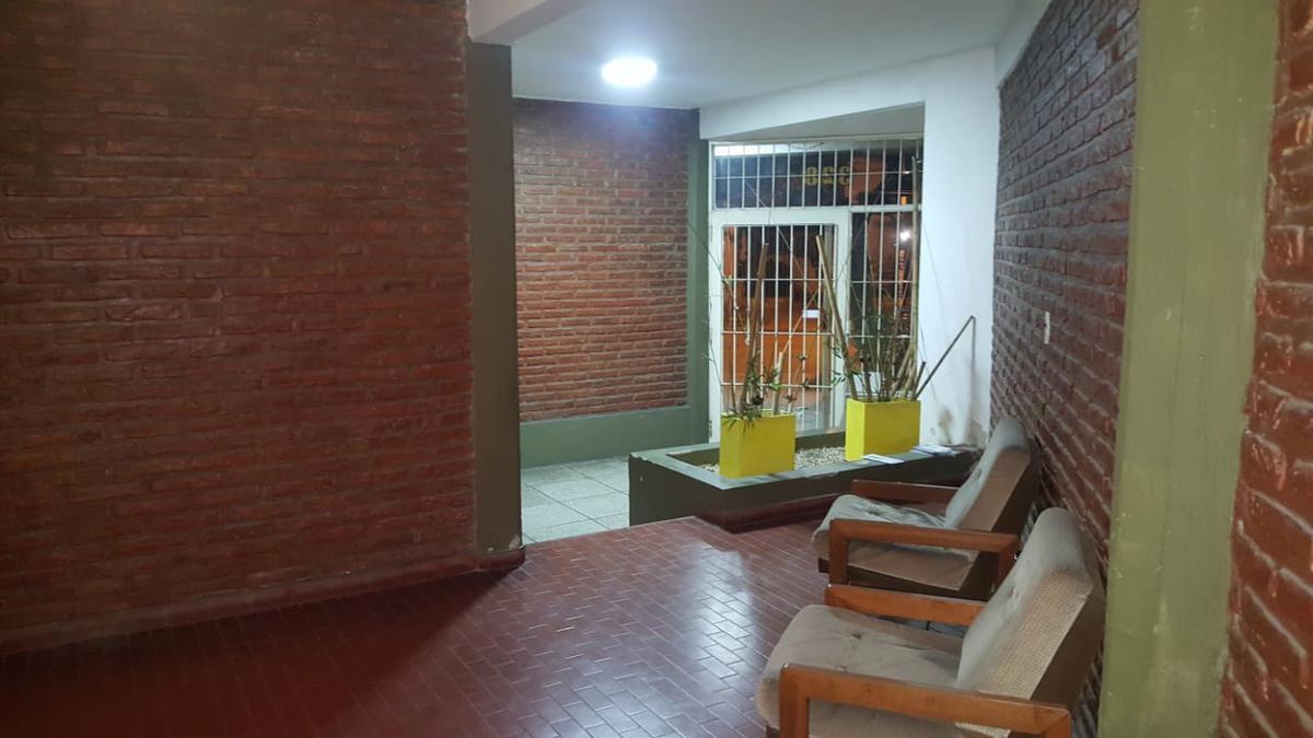 Foto Departamento en Venta en  Centro (Moreno),  Moreno  Amplio departamento 2 ambientes en Moreno centro
