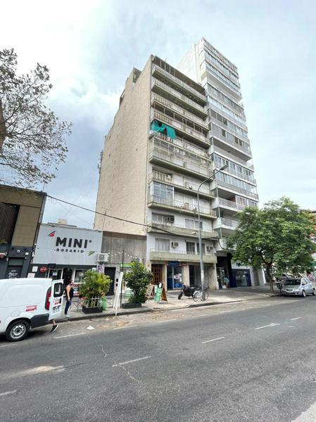 Foto Departamento en Venta | Alquiler en  Rosario,  Rosario  Av. Pellegrini 1730 2°A