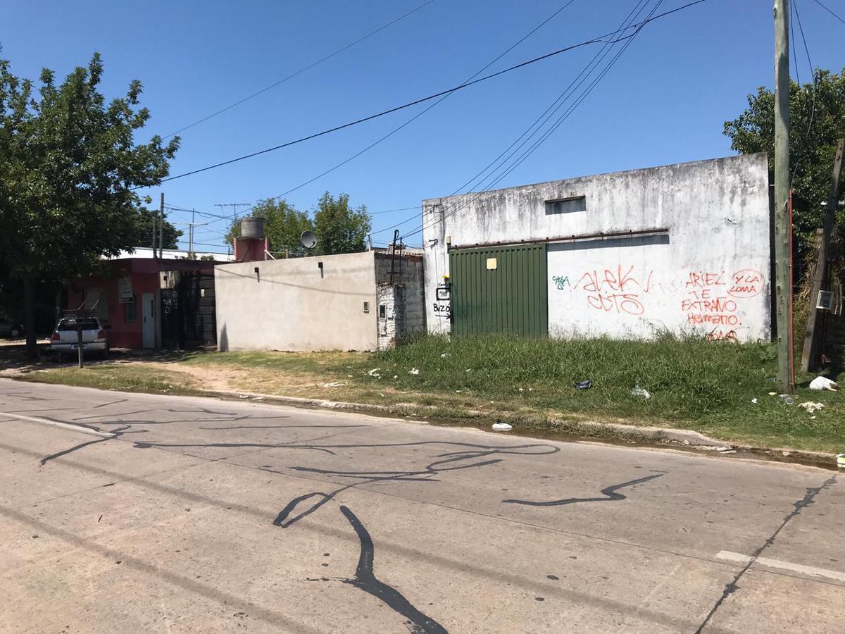 Foto Depósito en Alquiler en  Moreno ,  G.B.A. Zona Oeste  Acceso Oeste Colectora Sur entre Ricardo Gutierrez y Gonzalez