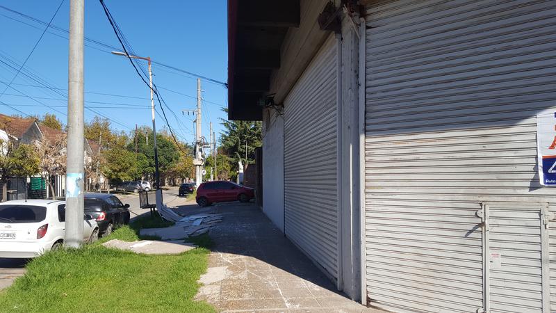 Foto Local en Alquiler en  San Miguel,  San Miguel  ILLIA y R PEÑA