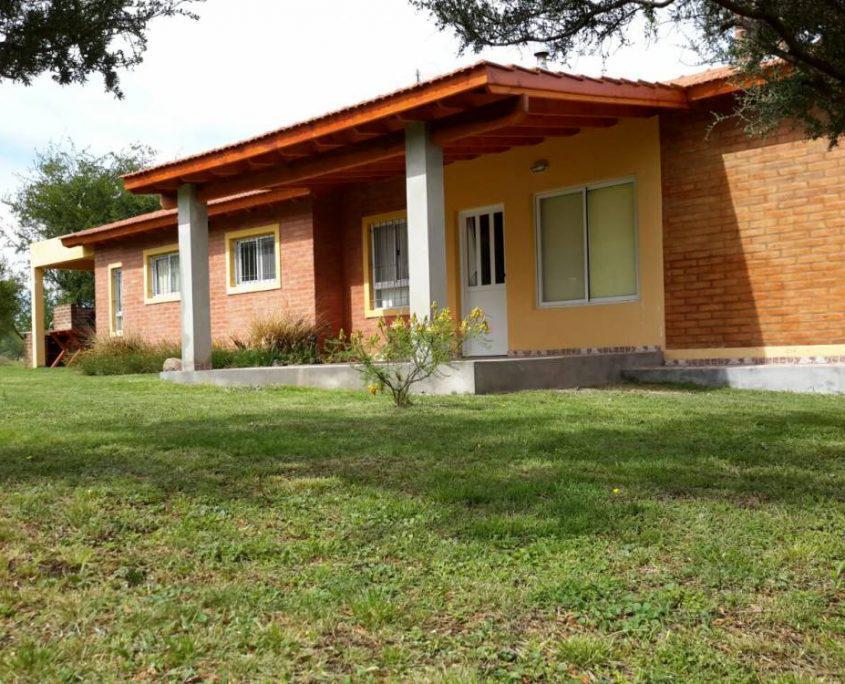 Foto Edificio Comercial en Venta en  Carpinteria,  Junin  VENDO COMPLEJO DE CABAÑAS DE 6500 M2 CORTADERAS SAN LUIS
