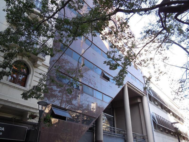 Foto Edificio Comercial en Alquiler |  en  Centro (Capital Federal) ,  Capital Federal  ESMERALDA AL 100