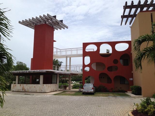 Foto Departamento en Venta en  Solidaridad ,  Quintana Roo  2 Recamaras Golf Drive Playacar Condo en venta