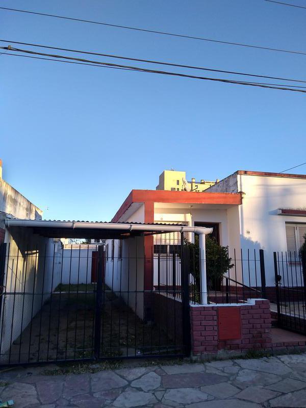 Foto Casa en Venta en  Alta Gracia,  Santa Maria  Bº Camara - Casa con Depto - Oportunidad