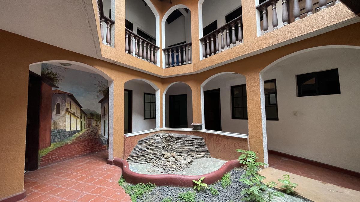Foto Casa en Renta en  Palmira,  Tegucigalpa  CASA COMERCIAL IDEAL PARA HOTEL, CLINICA, U OFICINAS, COLONIA PALMIRA, TEGUCIGALPA