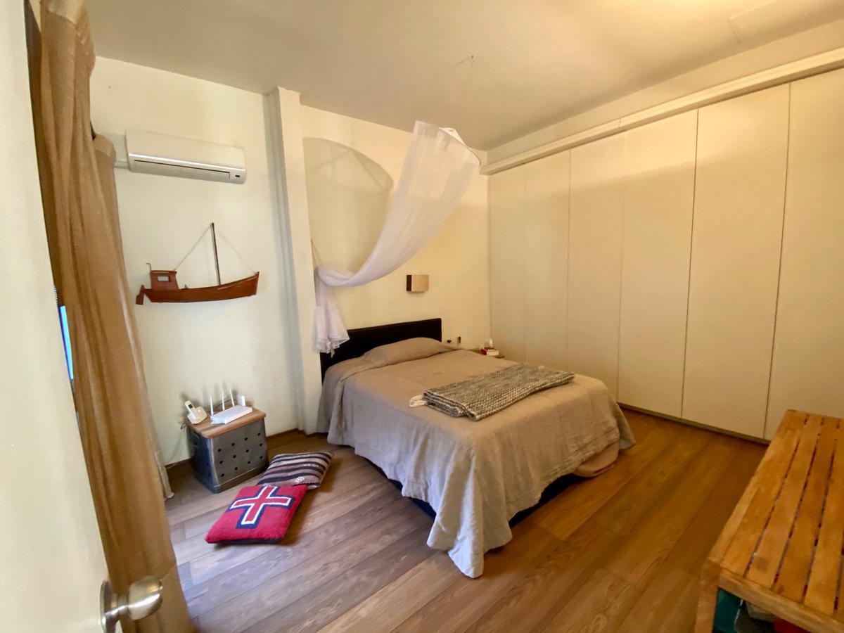 Foto Apartamento en Venta en  Ciudad Vieja ,  Montevideo  Piedras frente al Mercado