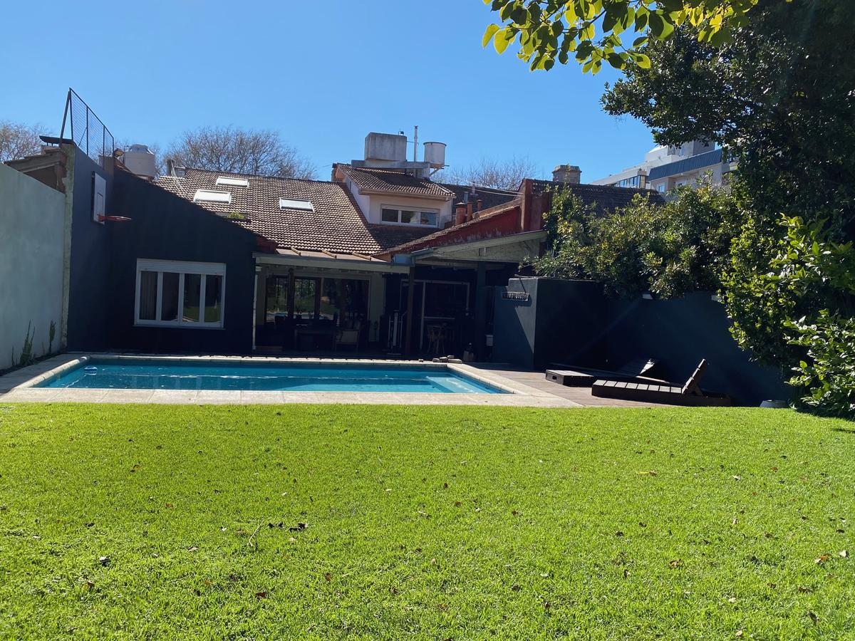 Foto Casa en Alquiler temporario en  Los Troncos,  Mar Del Plata  Saavedra 400 - Los Troncos - Mar del Plata