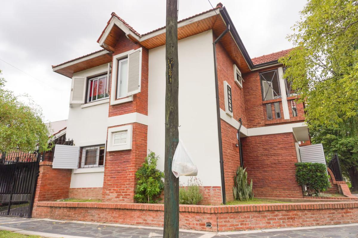 Foto Casa en Venta en  Temperley Este,  Temperley  Achupallas al 1000