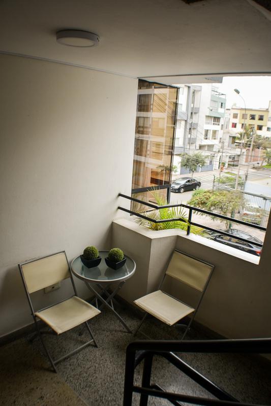 Foto Departamento en Venta en  Santiago de Surco,  Lima  Calle Loma de las Lilas