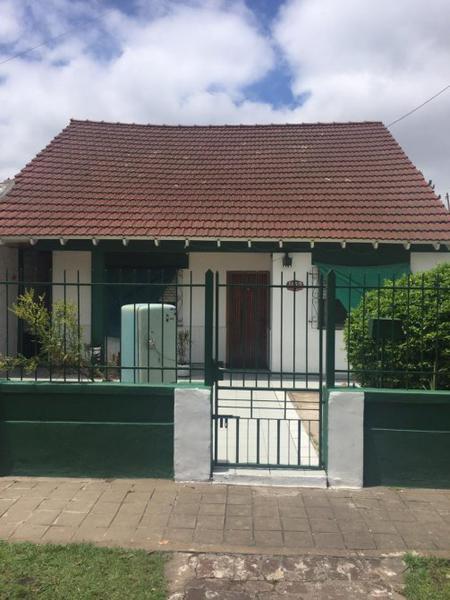 Foto Casa en Alquiler en  Burzaco,  Almirante Brown  Cafferata 1153 Frente