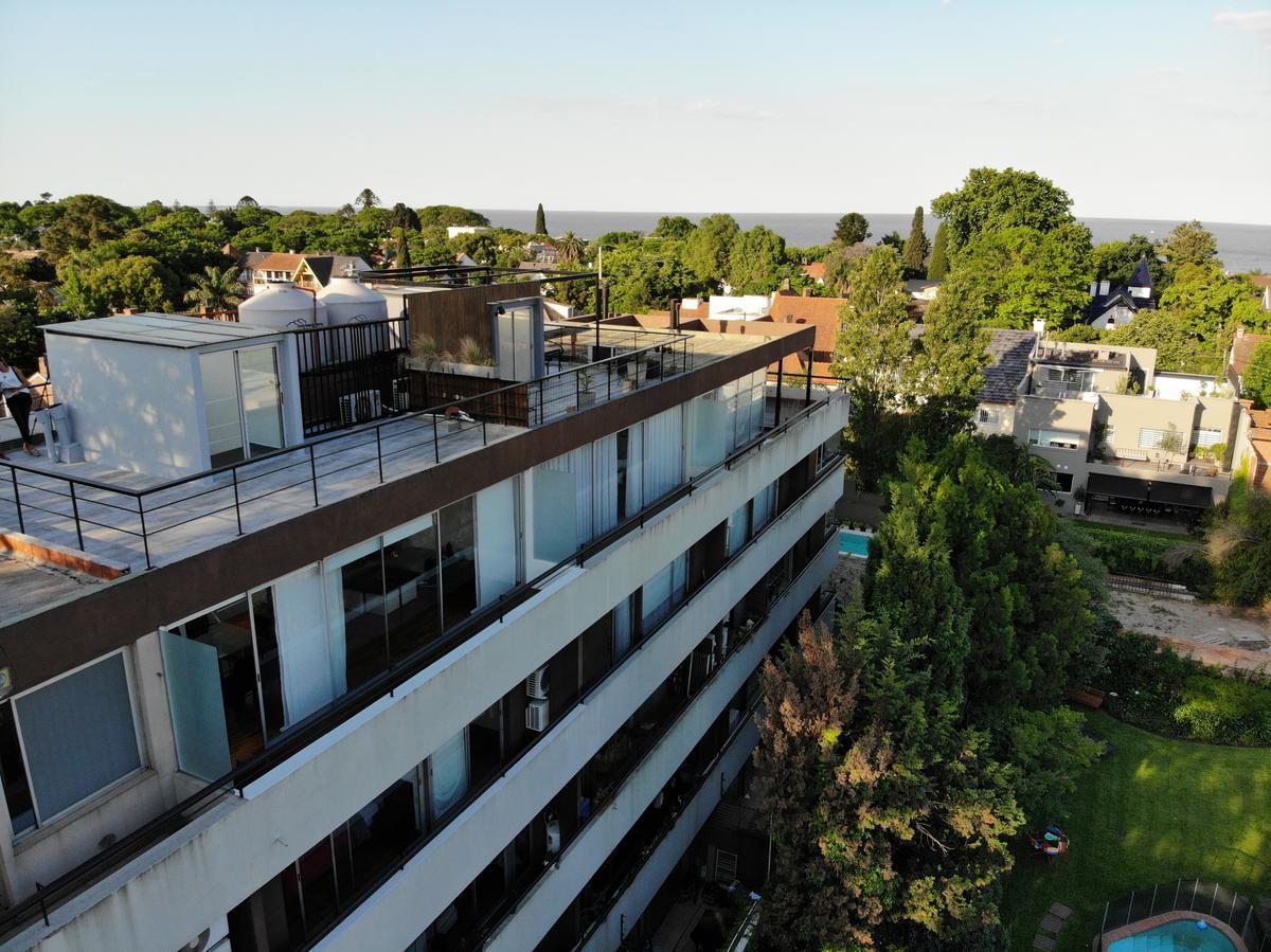Foto Departamento en Venta en  Martinez,  San Isidro  Av Del Libertador 12.900