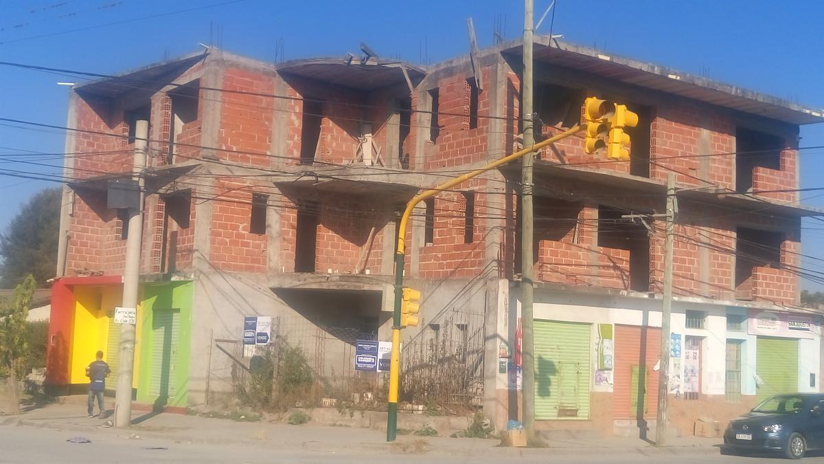 Foto Edificio Comercial en Venta en  Rosario De Lerma ,  Salta  Locales y edificio comercial en construcción