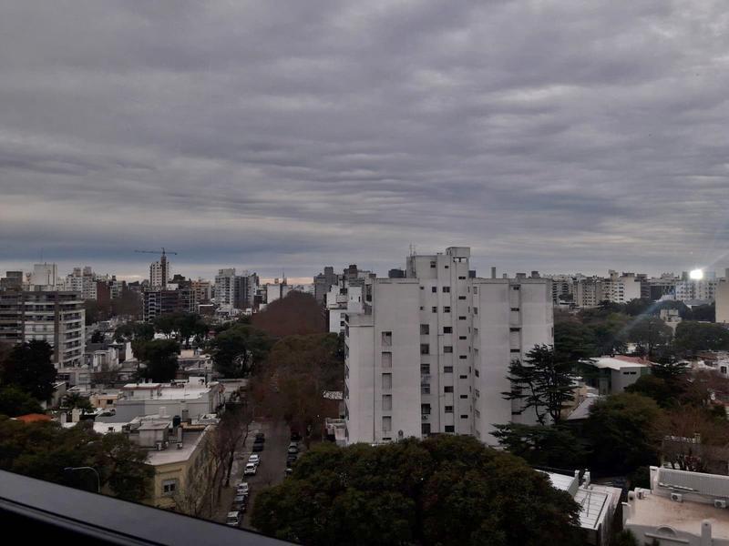 Foto Oficina en Venta en  Punta Carretas ,  Montevideo  Edificio corporativo, oficinas impecables,  dos garajes