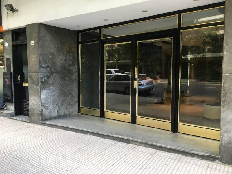 Foto Departamento en Alquiler en  Recoleta ,  Capital Federal  Pueyrredon  al 2400