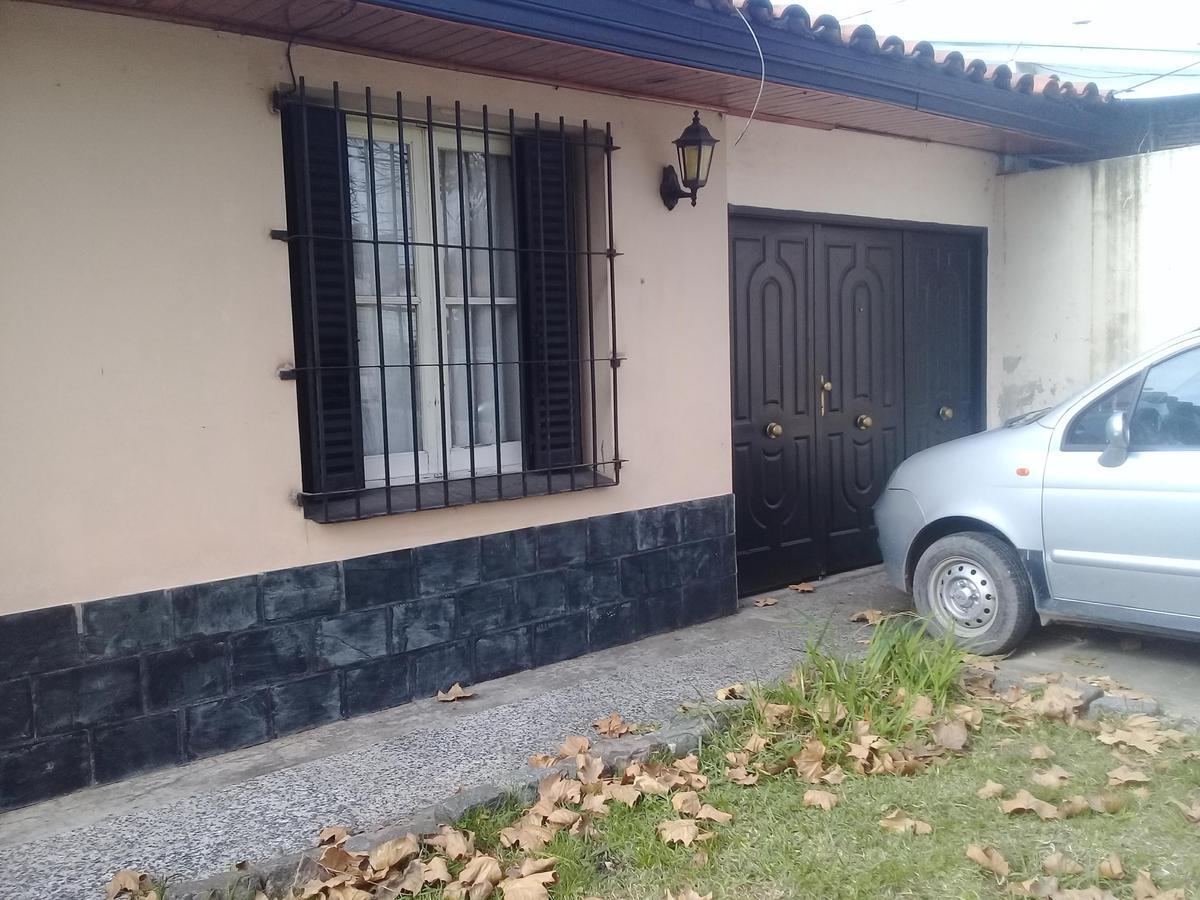 Foto Casa en Venta en  Lomas de Zamora Oeste,  Lomas De Zamora  Catamarca al 832